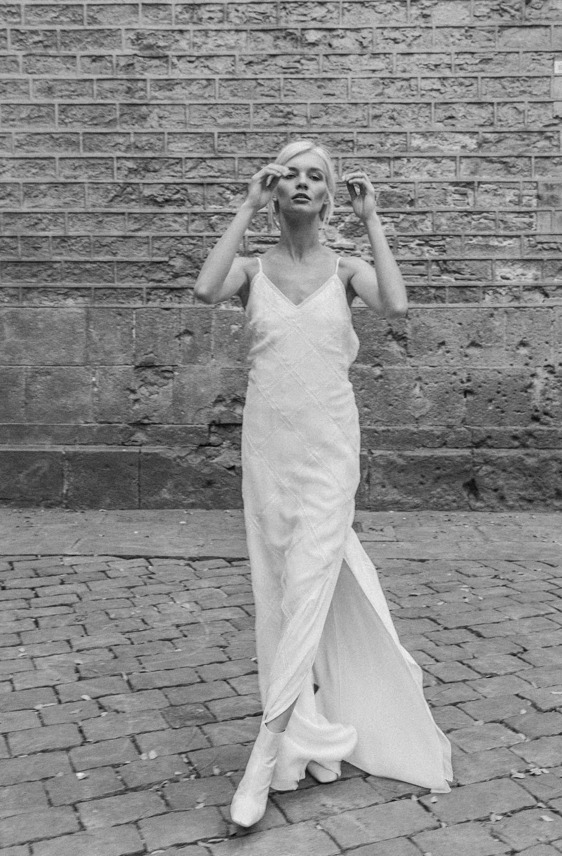 Vestido de tirantes de la colección My Universe de Marta Martí.