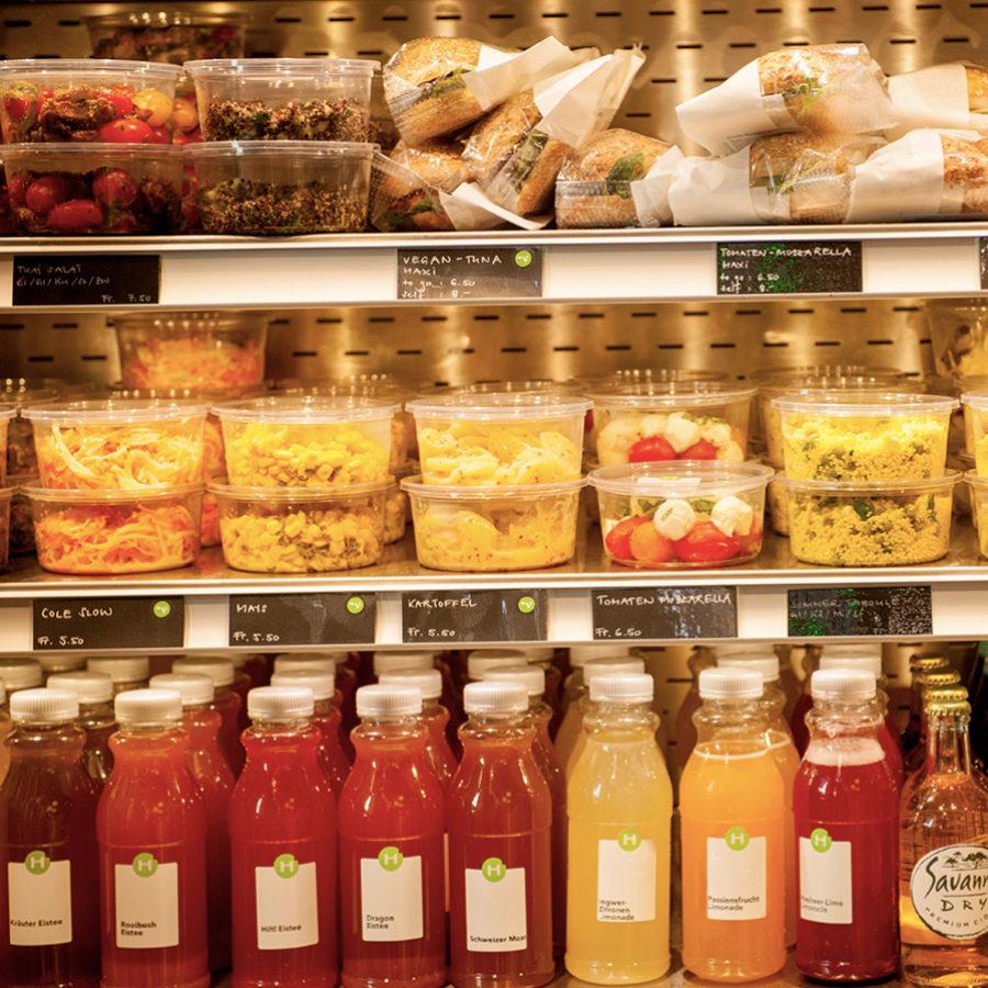 Debemos fijarnos en el etiquetado de los alimentos que compramos.