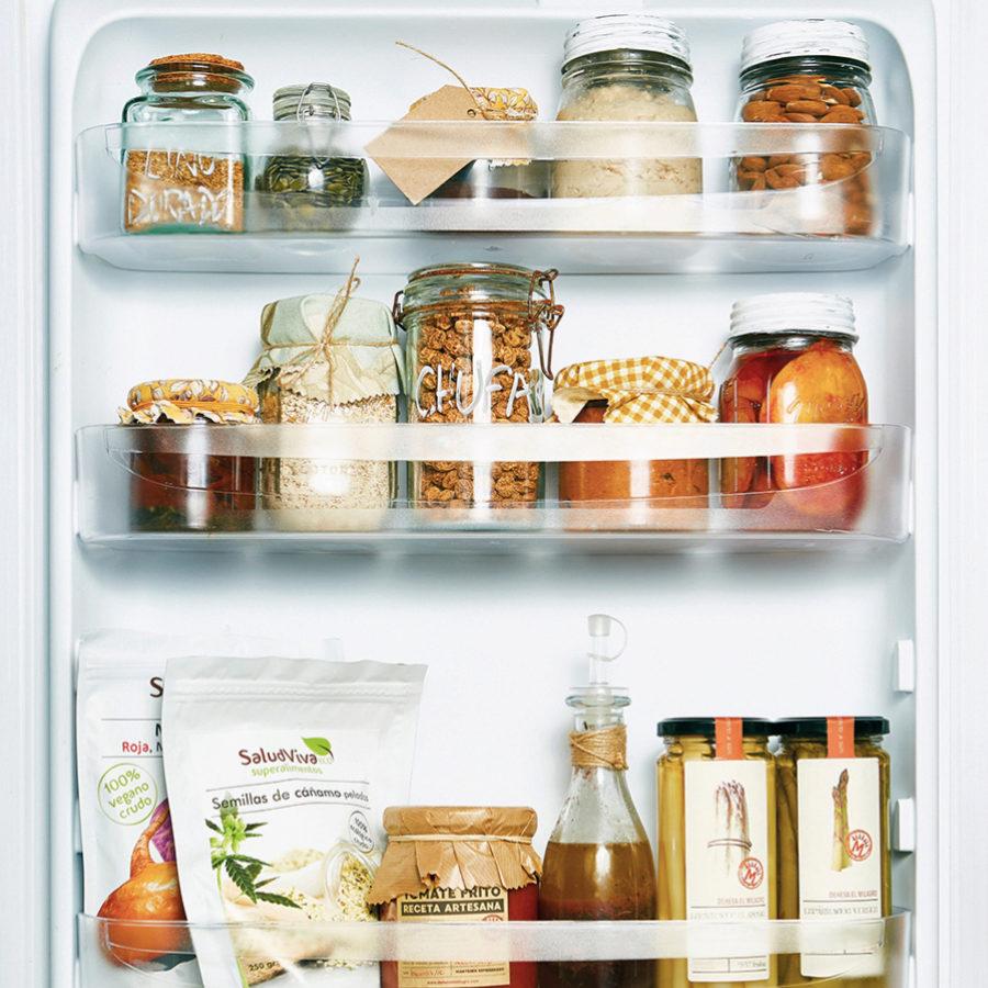 Las etiquetas nos dan información nutricional que tenemos que descifrar.