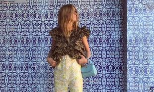 Blanca Miró es una de las que más sabe de combinar estampados