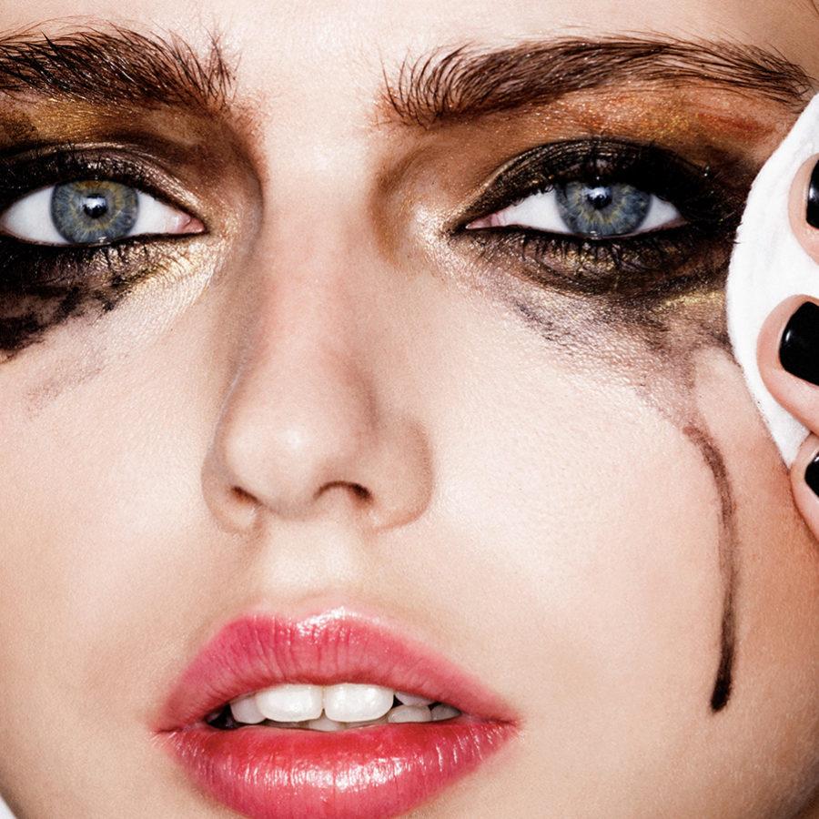 Los dermatólogos recomiendan el uso de discos de algodón.