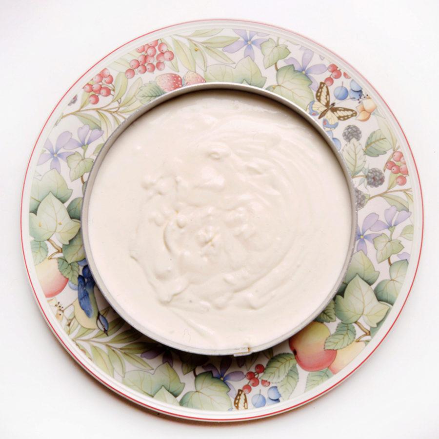Si queremos endulzar un yogur lo haremos con ingredientes naturales.