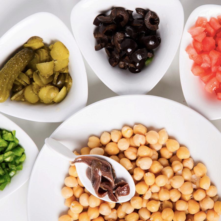 Con las legumbres podemos hacer muchos platos de verano.