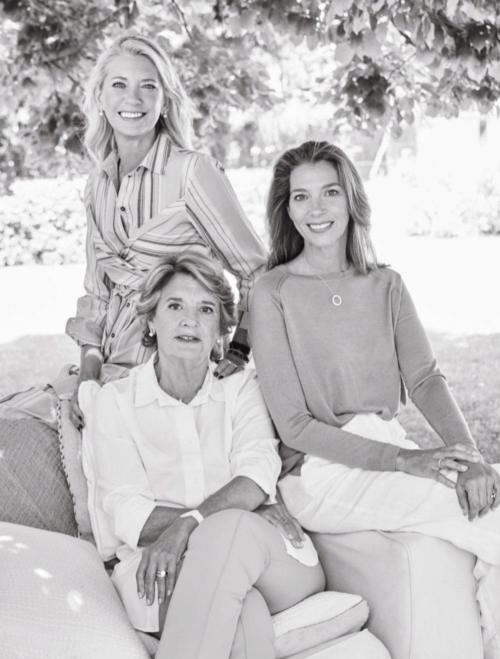Gloria con sus hijas Verónica y Patricia.