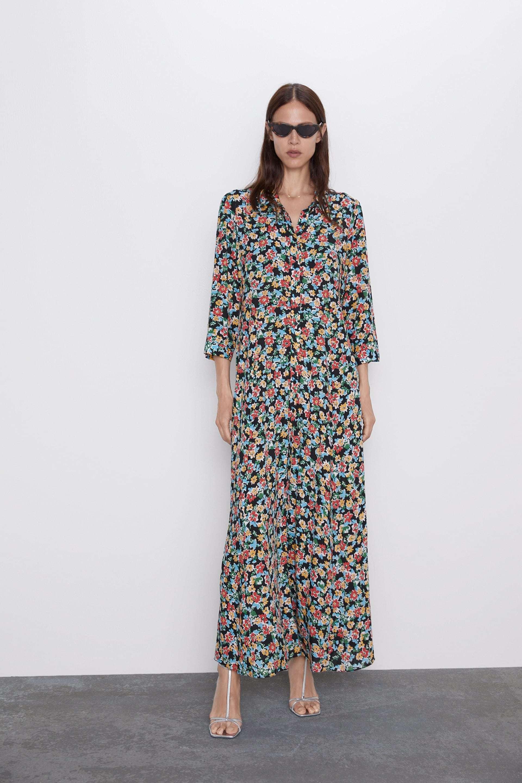 Vestido camisero, de Zara (39,95 euros).