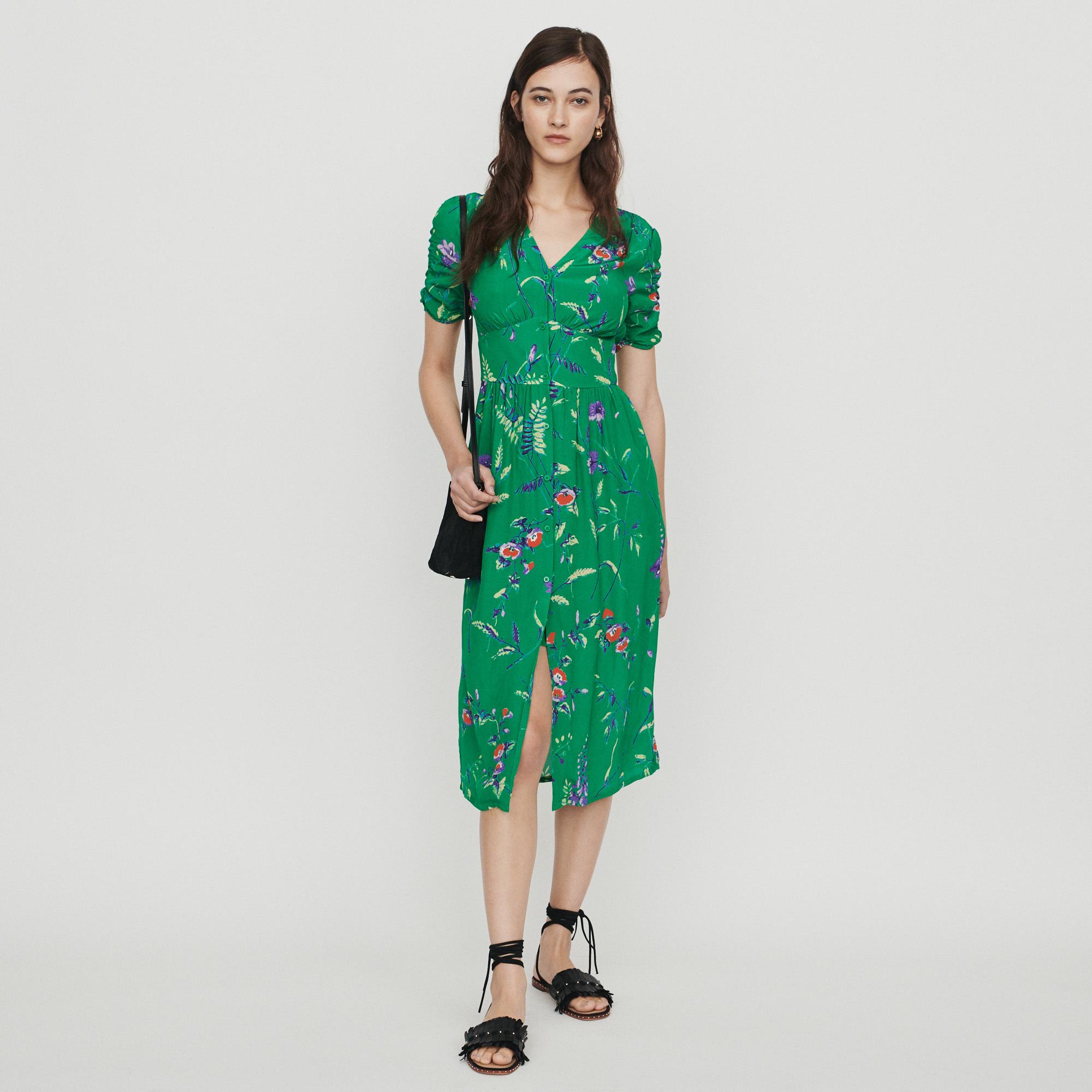Vestido de manga corta, de Maje (175 euros).