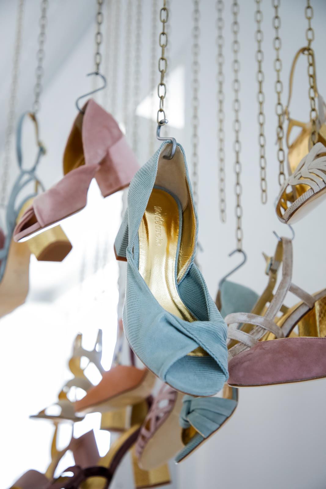 Los zapatos de Flor de Asoka
