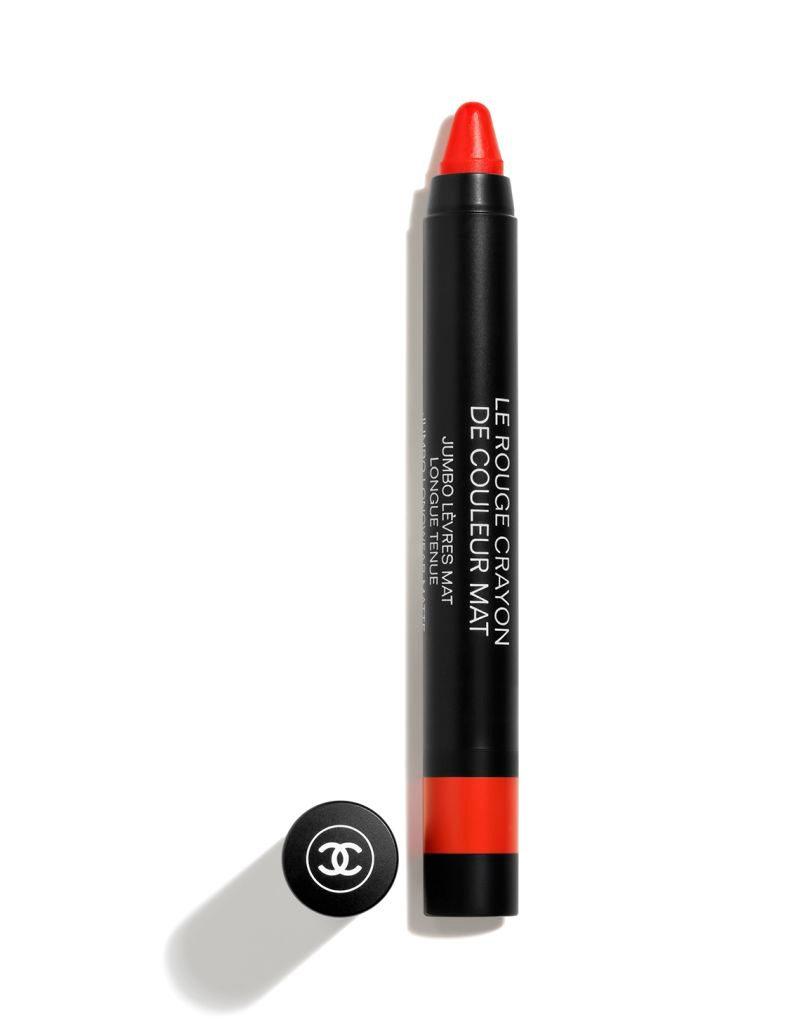 Lápiz de labios resistente al agua Le Rouge Crayon de Couleur Mat de Chanel.