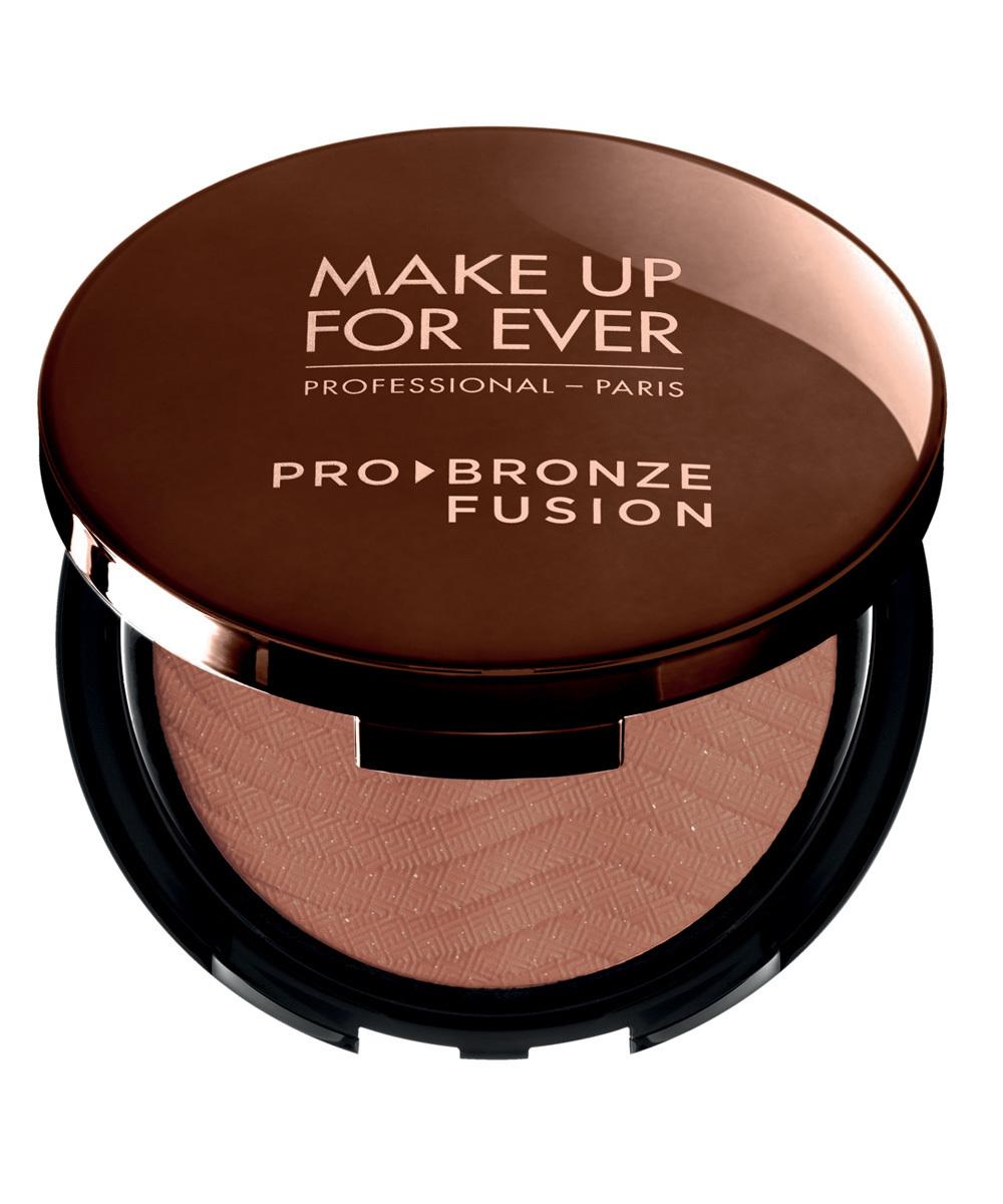 Polvos de sol resistentes al agua Pro Bronze Fusion de Make Up For Ever.