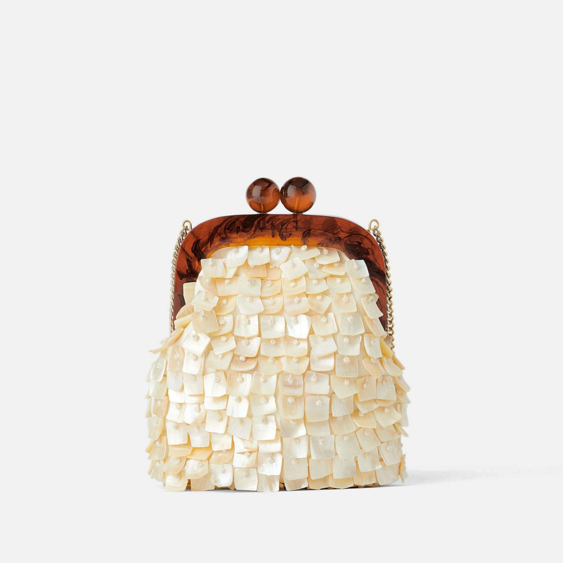 Bolsito lismonera con detalles de carey de Zara (29,95¤)