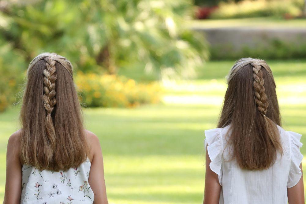 Detalle del peinado de la princesa Leonor y la infanta Sofía.