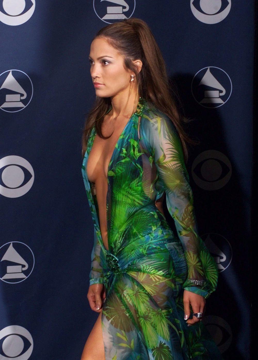 Jennifer Lopez en los Grammy del 2000.
