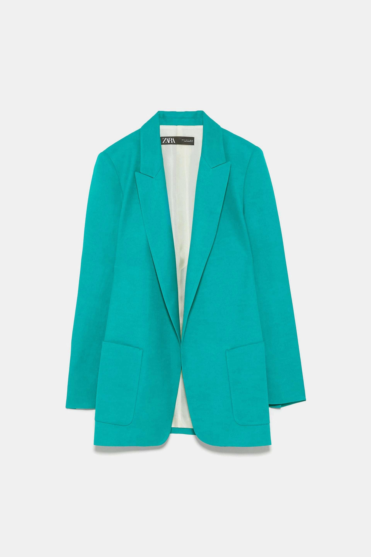 Blazer en color turquesa de Zara