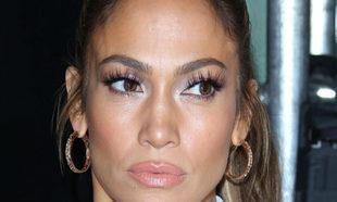 Famosas como Jennifer López apuestan por las pestañas postizas....