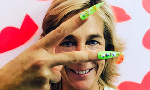 Marta Barroso prueba lo último en nail art