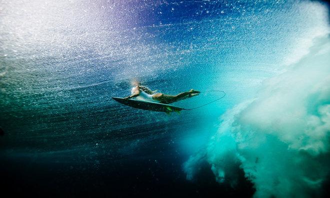 La surfista asturiana Lucía Martiño es una de las mujeres top de...