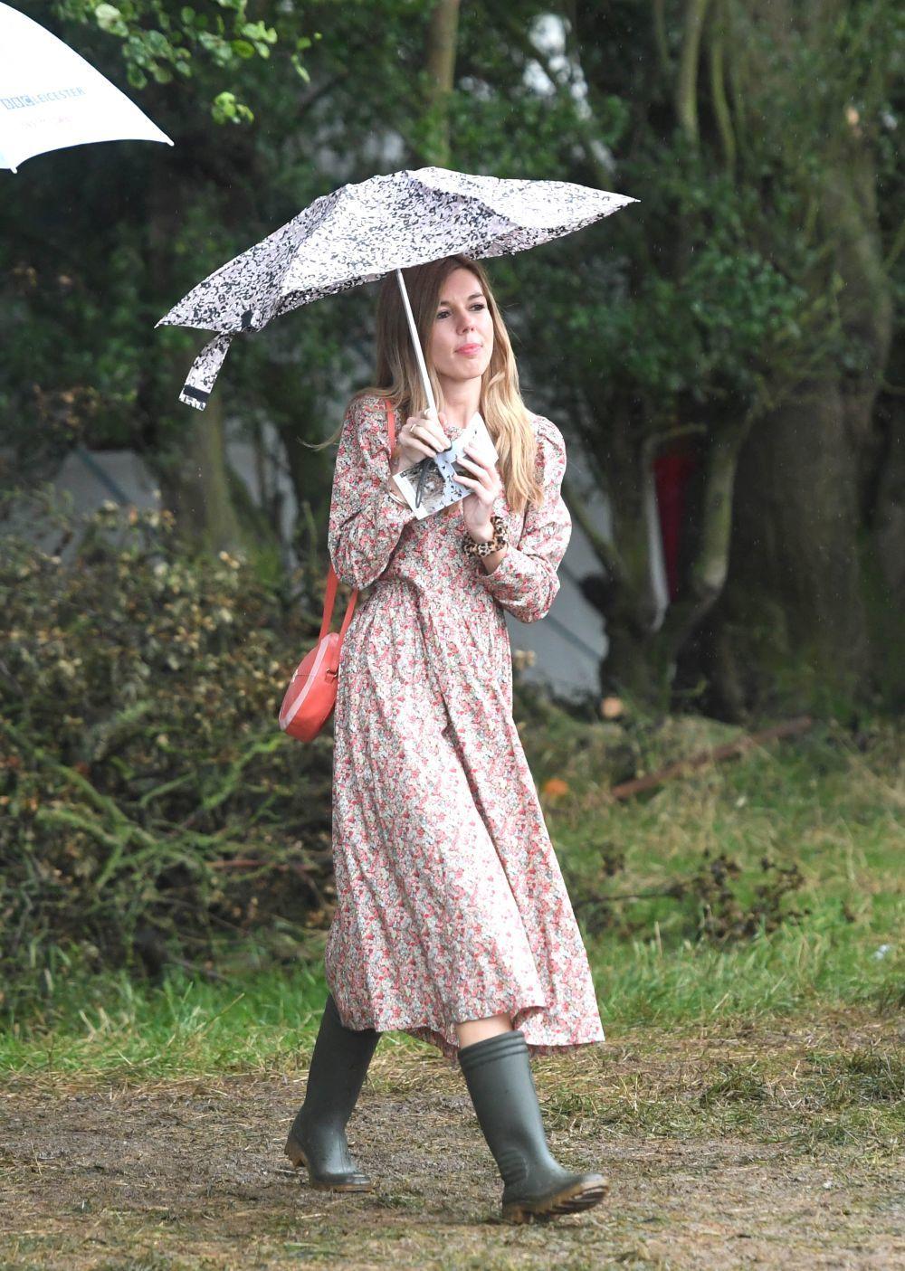 Los vestidos de flores son la prenda fetiche de Carrie Symonds.