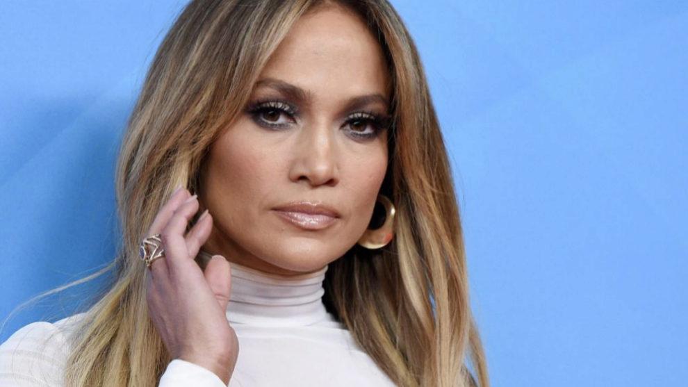 Jennifer Lopez con su melena larga a la que ha dicho adiós.