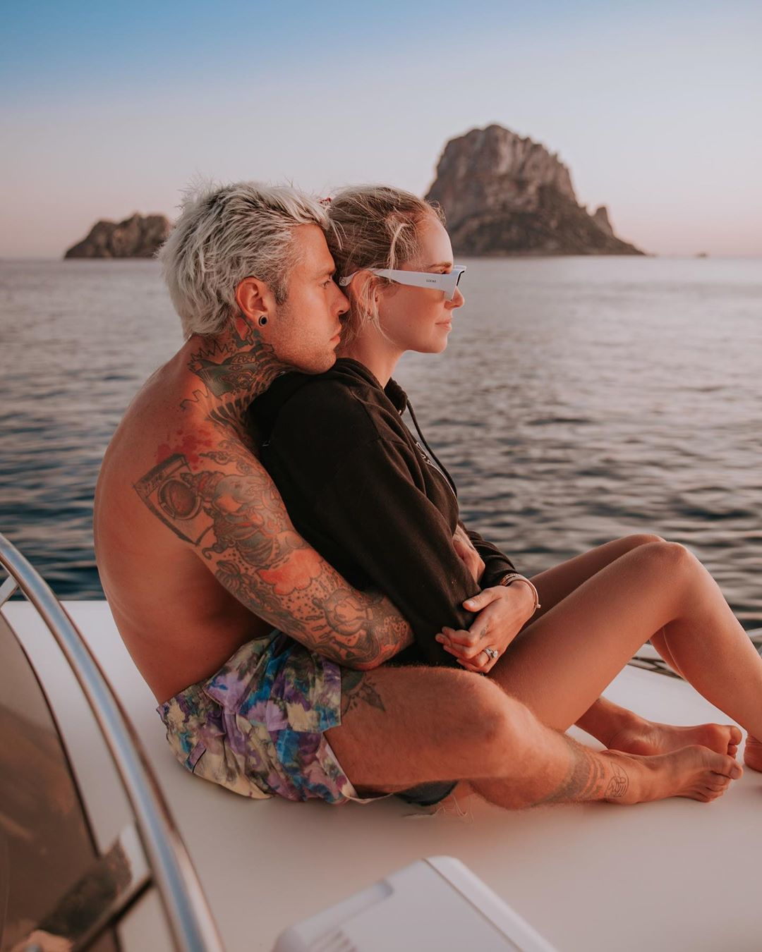 Chiara Ferragni con gafas de sol Paula en Ibiza
