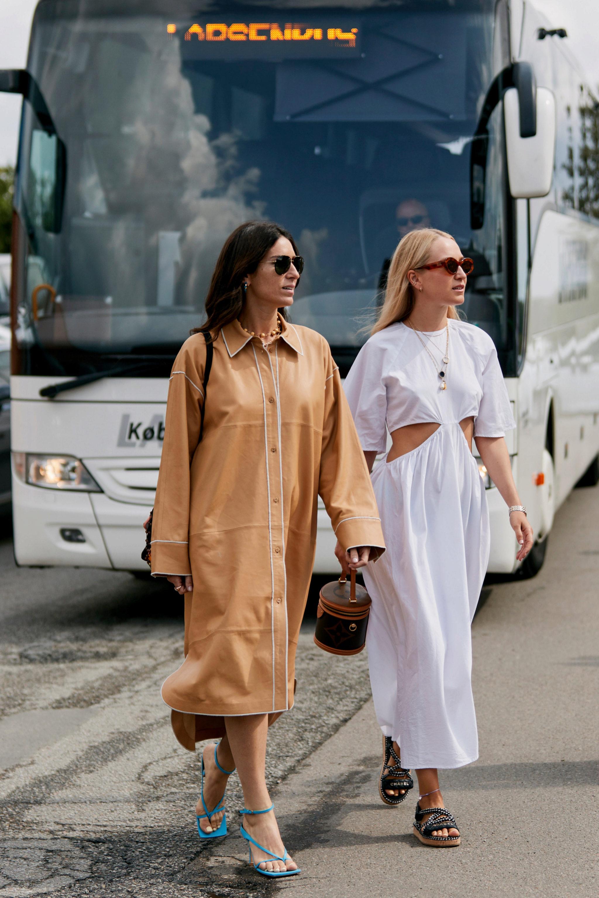 Los vestidos son llevados así con las nórdicas