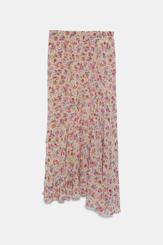 Falda con print de flores con corte asimétrico de Zara
