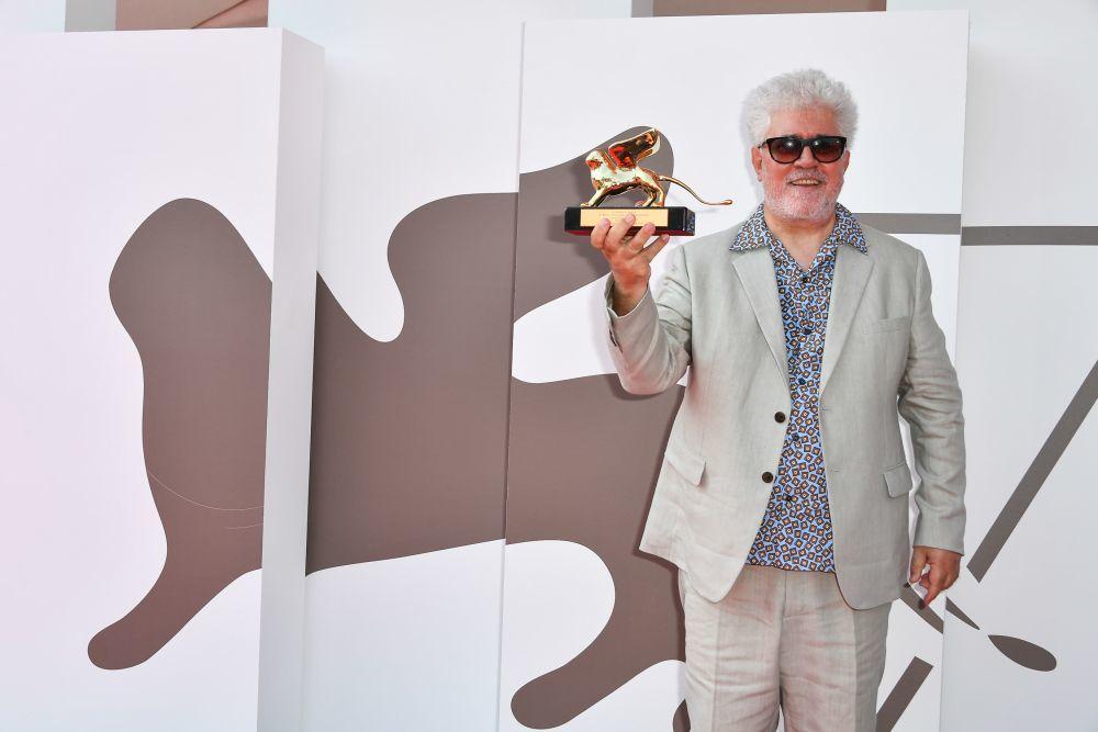 Pedro Almodóvar recibe el León de Oro de Honor
