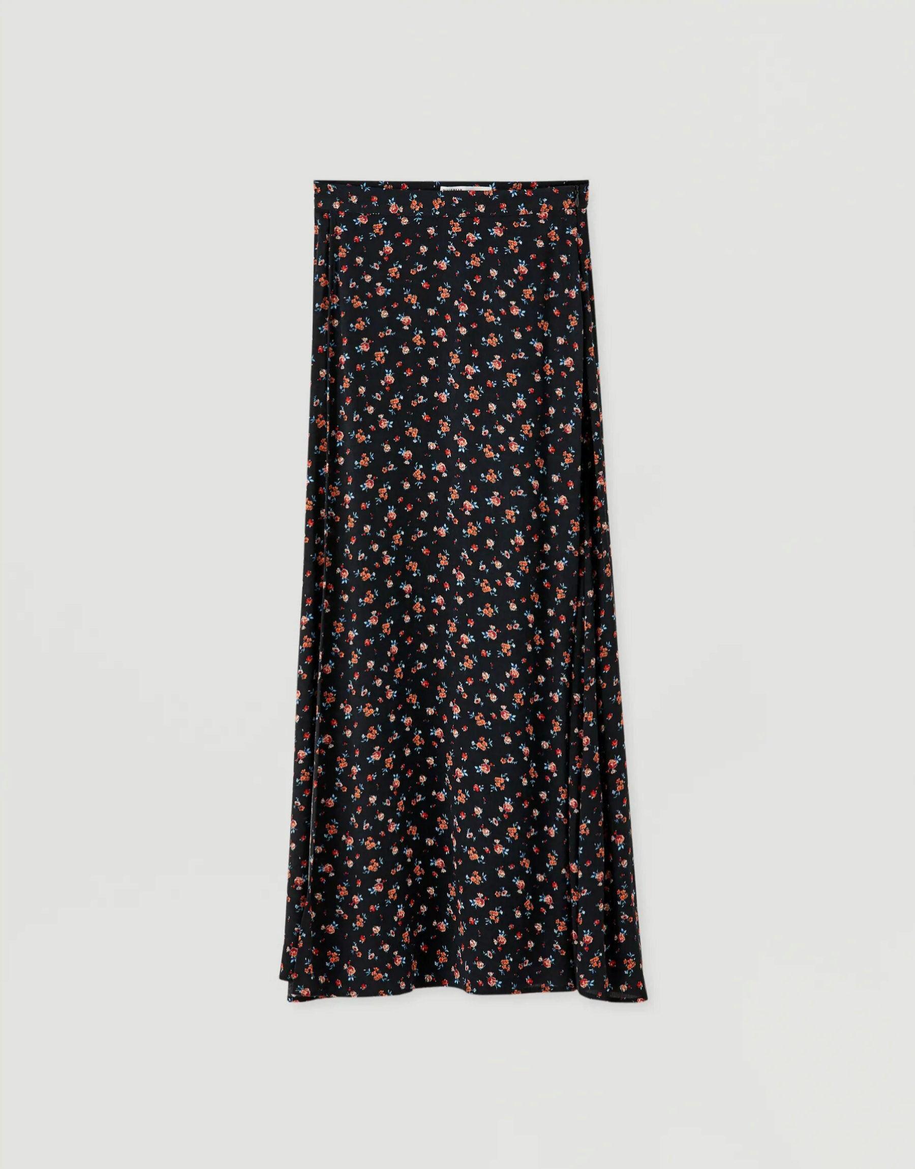 Falda midi con estampado de flores de Pull & Bear