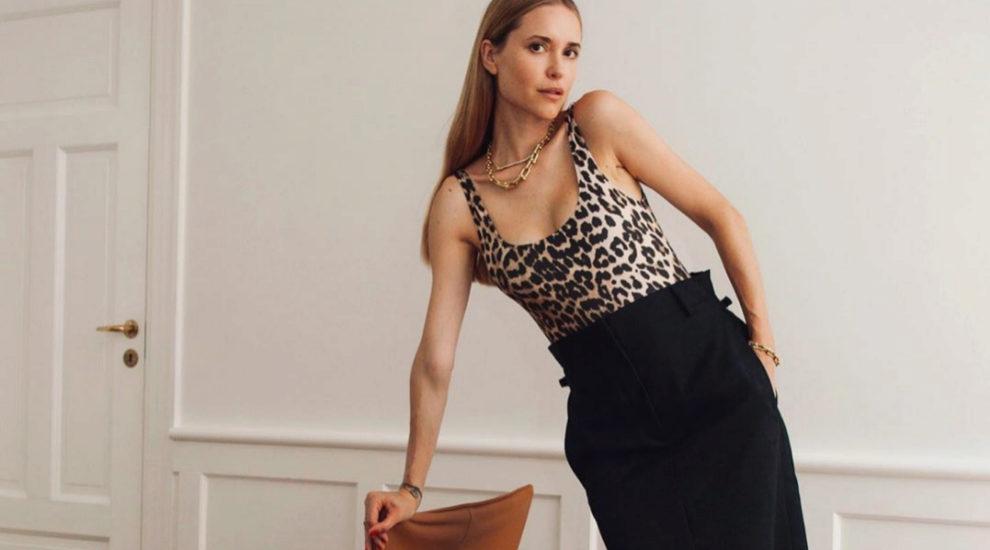 Pernille Teisbaek luciendo una falda tubo con estilo