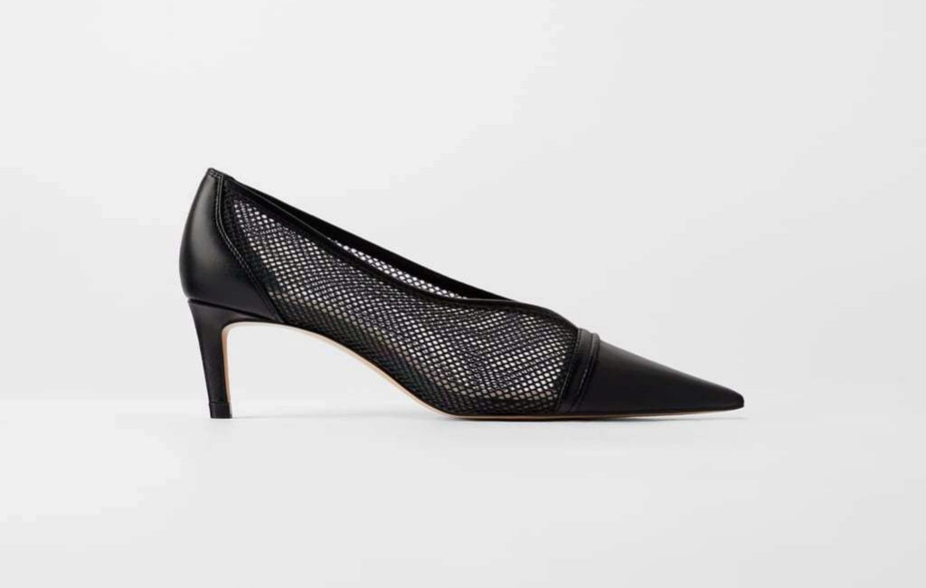 Zapato de tacón con rejilla