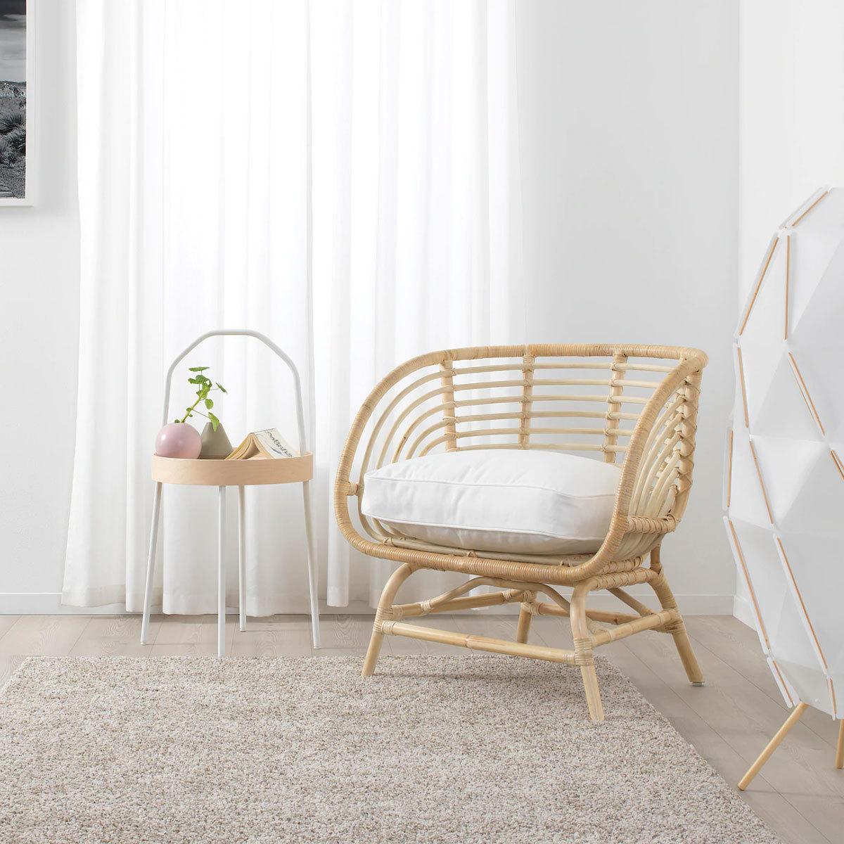 Sillón de ratán Buskbo (149 euros) de Ikea