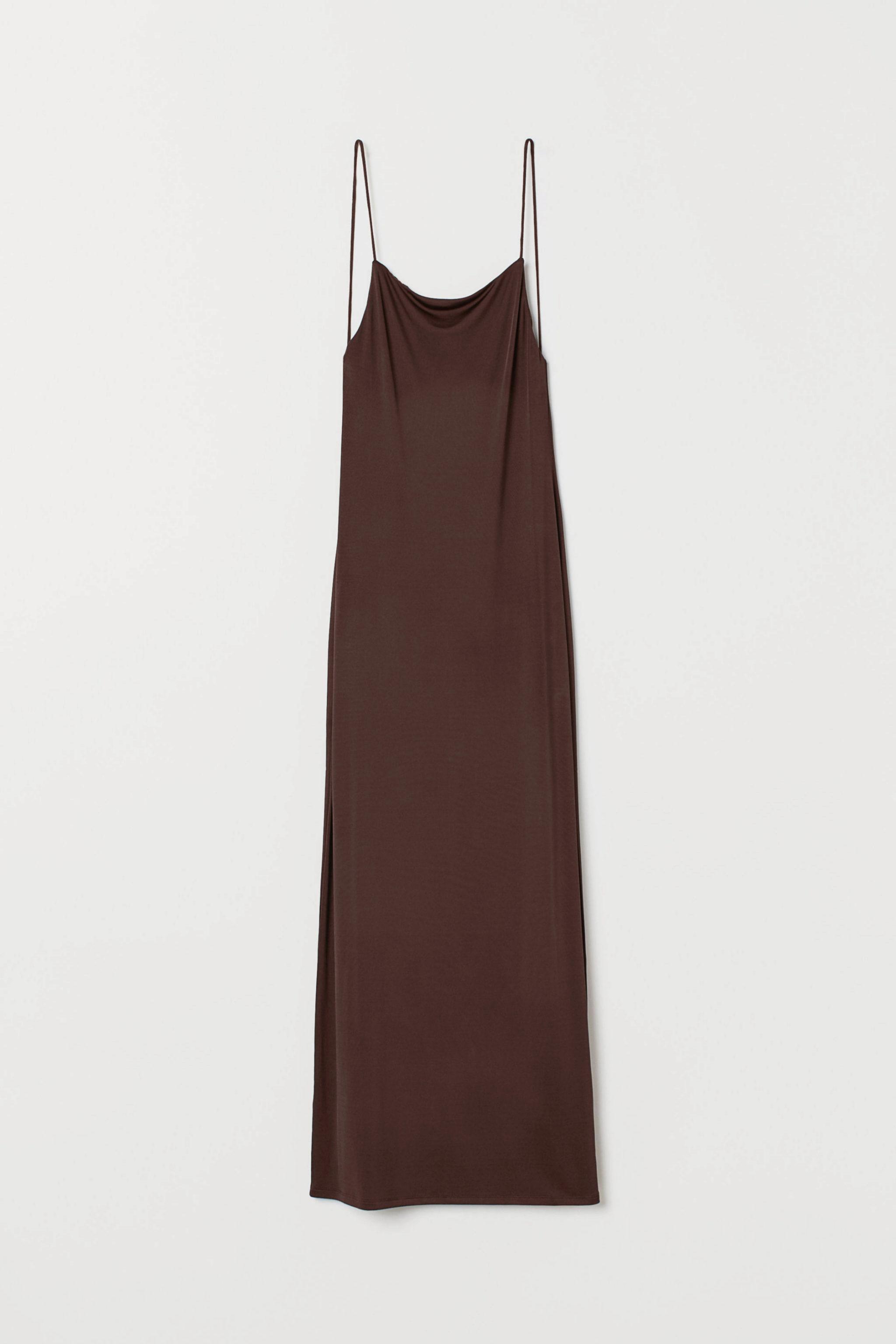 Vestido de corte minimal y espalda al aire de H&M