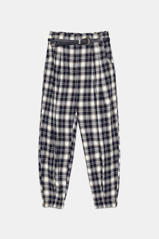 Pantalón slouchy con print de cuadros de Zara