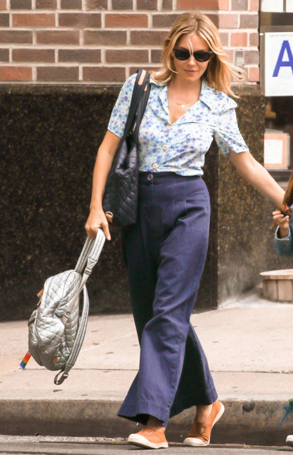 Sienna Miller pasea por Nueva York