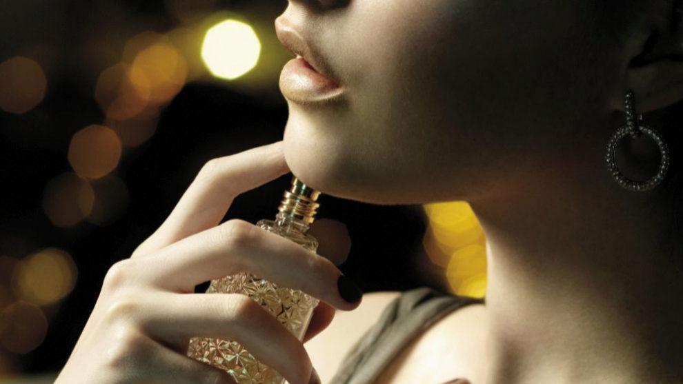 Elige un perfume que encaje con tu personalidad y te haga sentir bien