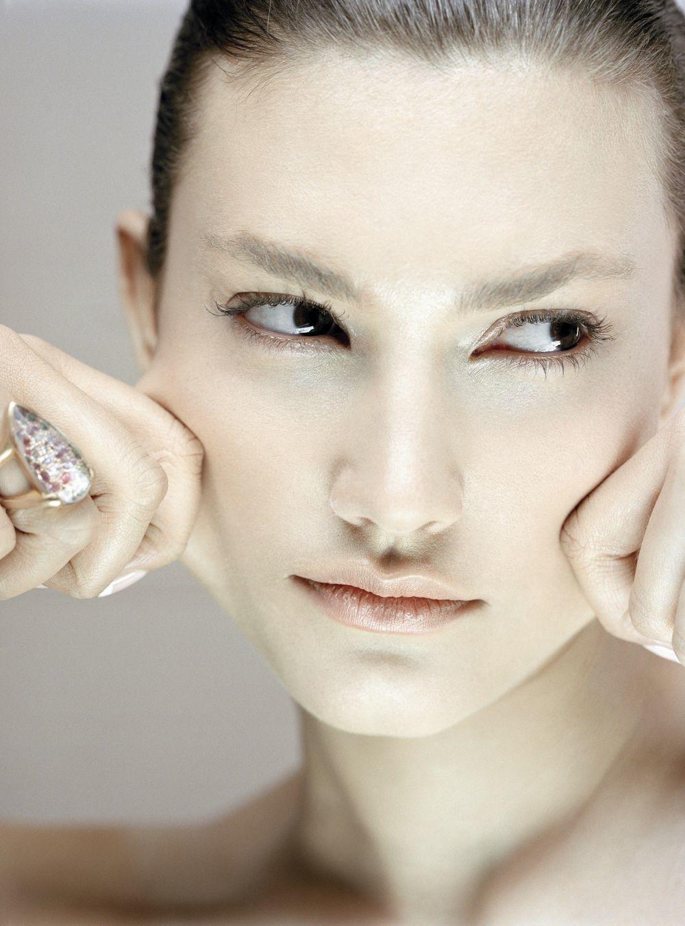 Si después de la limpieza facial de tu rostro, la piel te tira, puede...