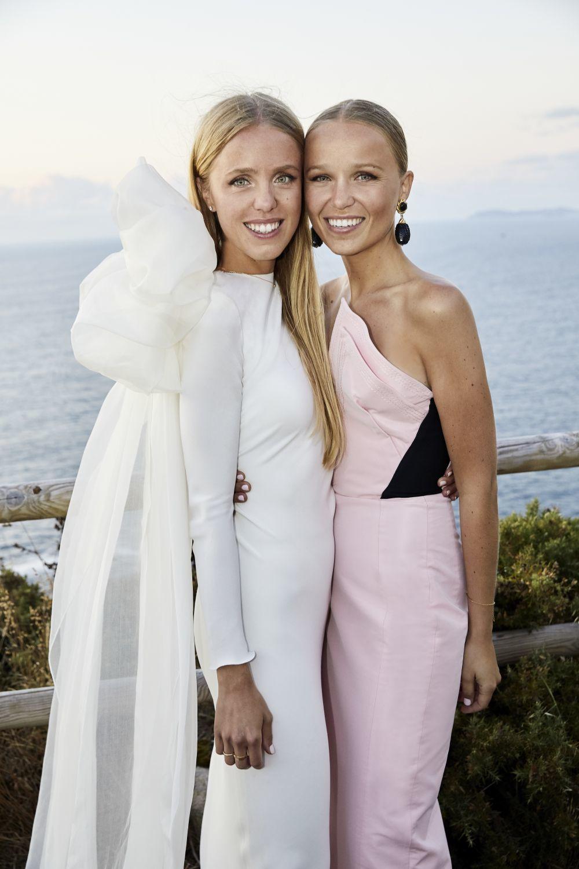 María Johansson y su hermana Sofía Johansson