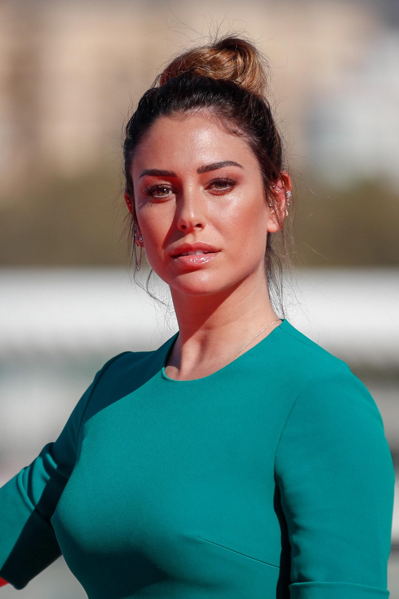 Blanca Suárez tiene otro look ideal para ir a trabajar: colorete y...