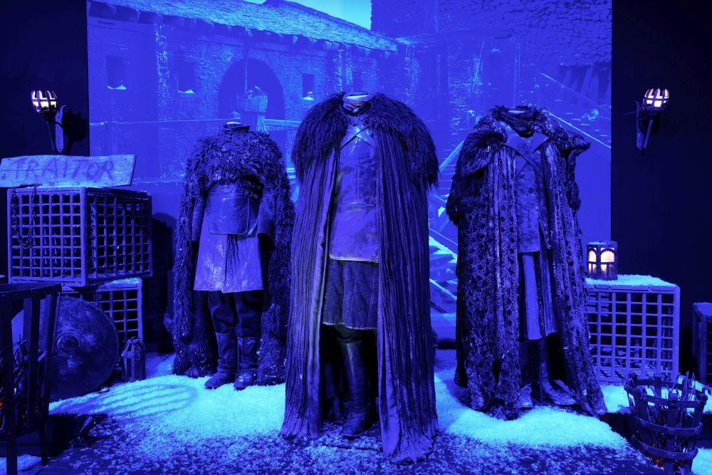 Castillo Negro y vestuario de la Guardia de la Noche.