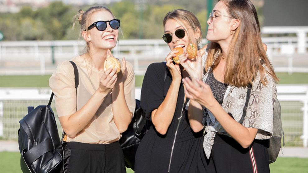 Las dietas tienen que ir siempre supervisadas por un experto y han de...