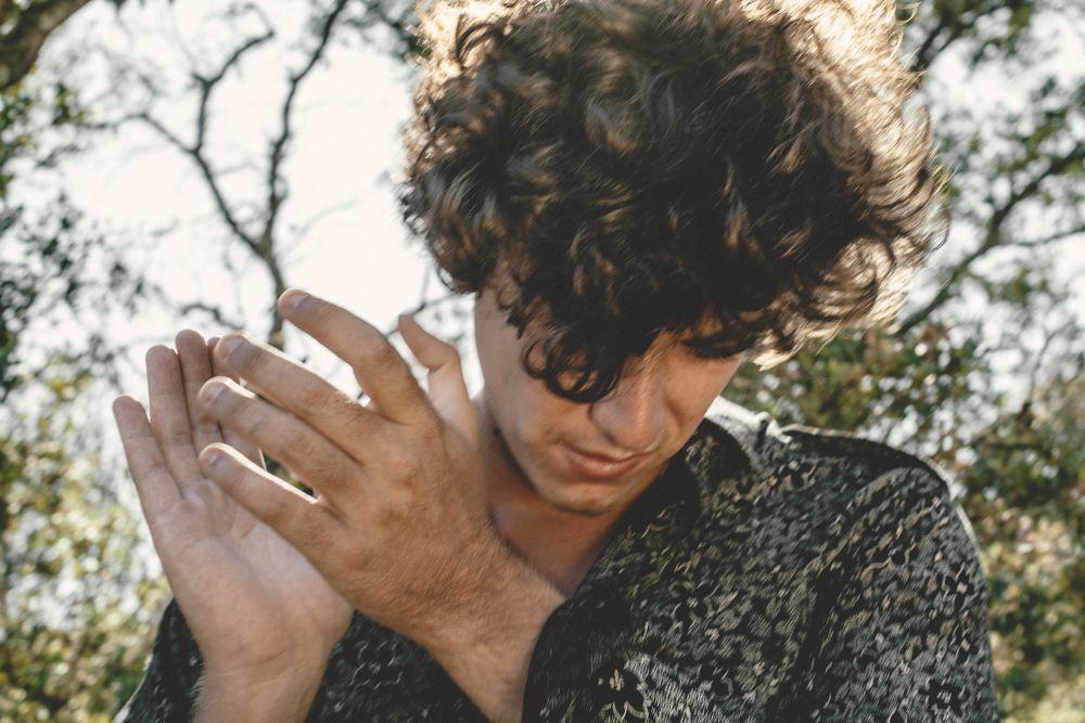 """Álvaro Delafuente combina ritmos flamencos y de la rumba gitana con los estilos más """"indies""""."""