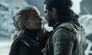 Daenerys Targaryen (Emilia Clarke) y Jon Nieve (Kit Harington) en el...