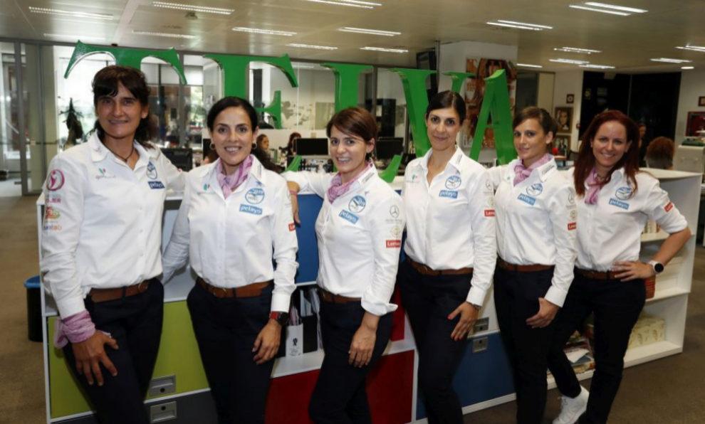 De izquierda a derecha: Begoña Conde, Felisa Requena, Victoria...