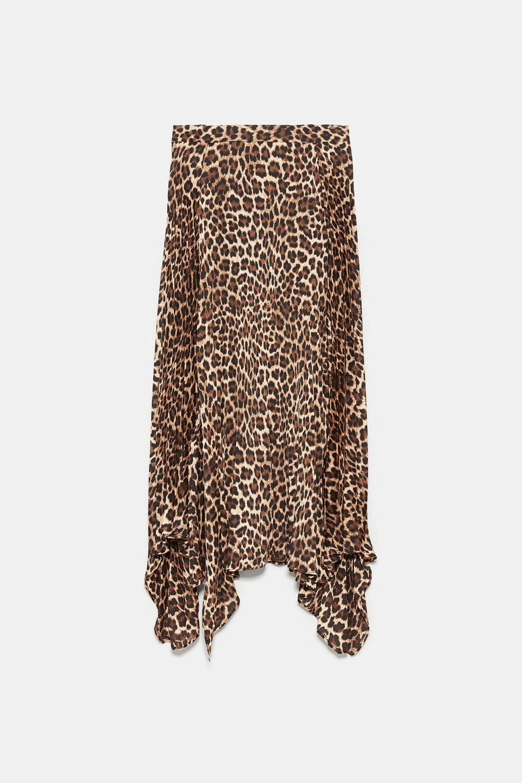 Falda plisada con estampado de leopardo de Zara