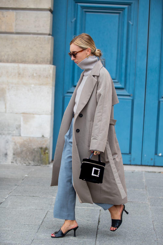 Un look de street style en Paris.