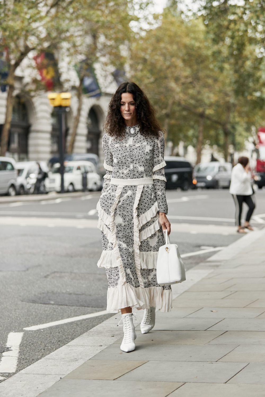 Con un vestido floral hacen un combo perfecto.