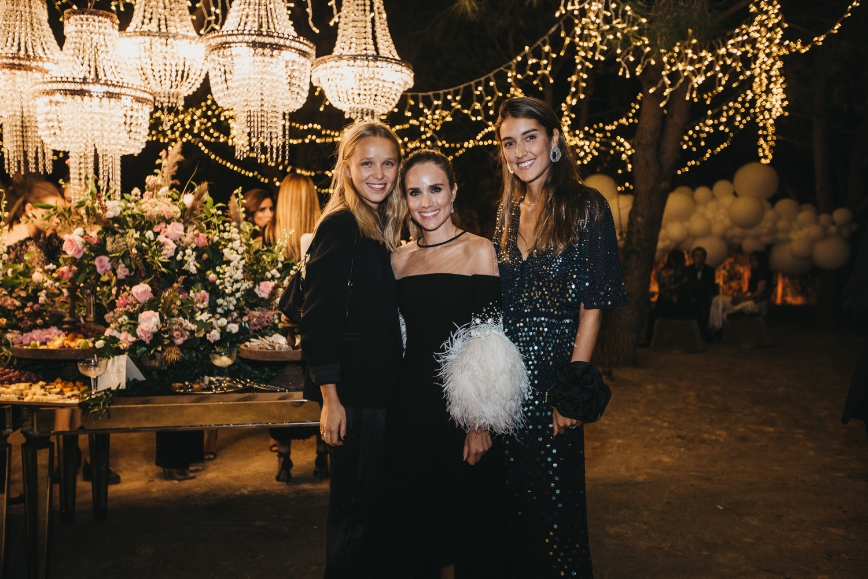 Sandra junto a Sofía Johansson y Valentina Suárez-Zuloaga en la última