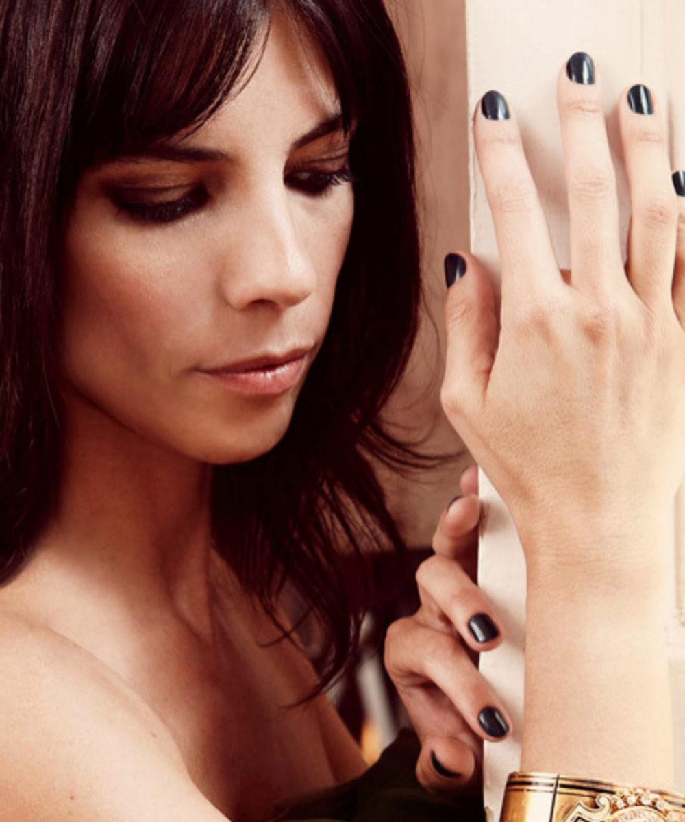 El negro para tus uñas ya se ha convertido en un básico más como el...