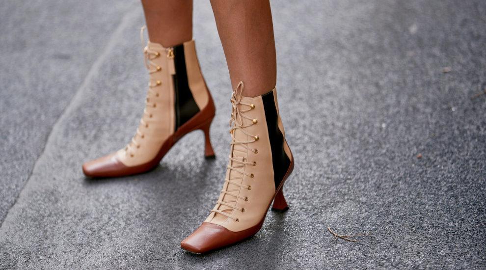 Las botas con punta cuadrada pisan fuerte esta temporada
