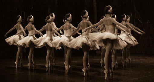 No hay mejor terapia de evasión que una clase de Ballet Fit.