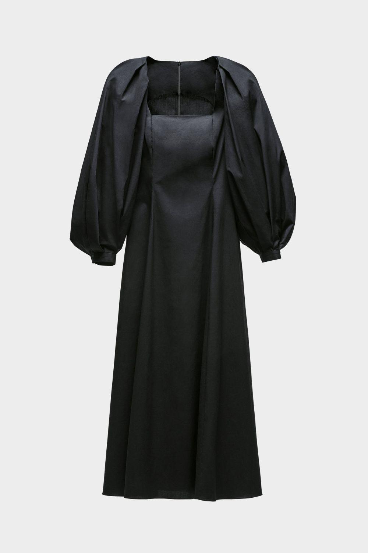 Vestido negro de Zara, 59,99 euros.